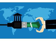 С 2022 года банки позволят снимать деньги с чужих карт по QR-коду